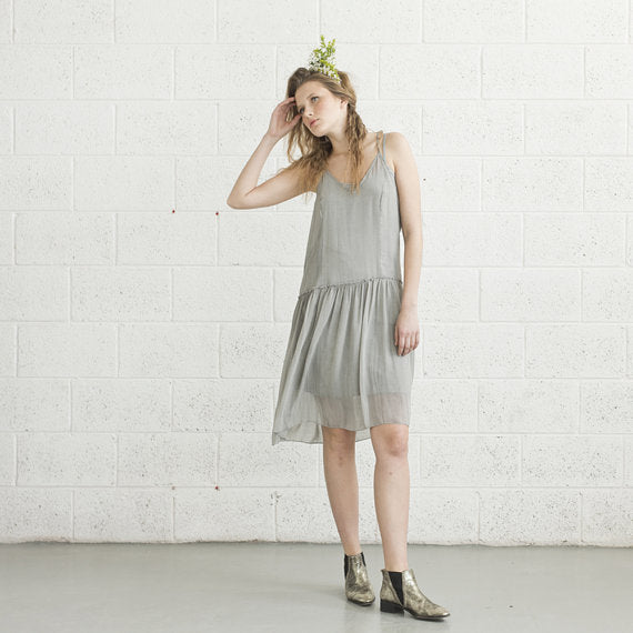 Grey V-Neck Spaghetti Strap Cocktail Dress