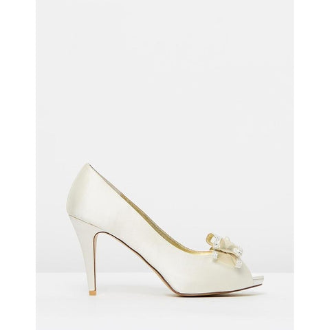 Pumps - Women's Trendy Ivory Leather Pumps