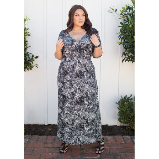 Plus Size Black And White V-Neck Maxi Dress
