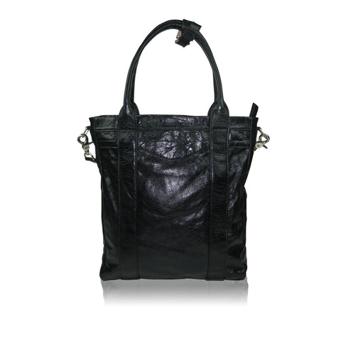 Messenger & Crossbody Bags - Women's Trendy Black Crossbody Bag