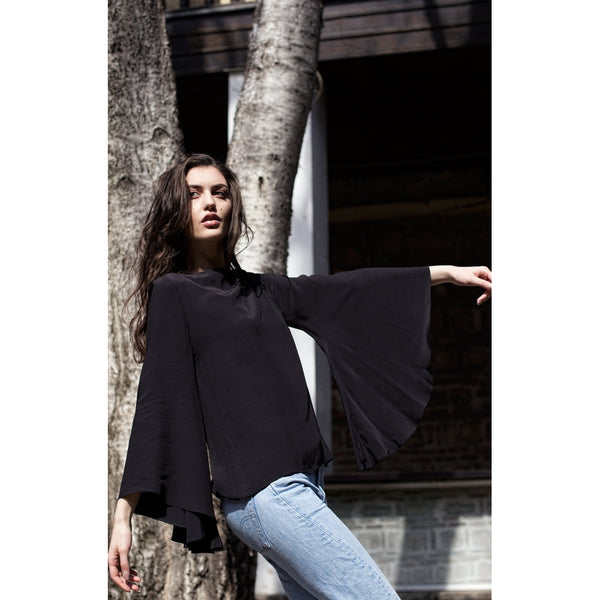 Shirts - Women's Trendy Black Plunging Neckline Long Sleeve Shirt