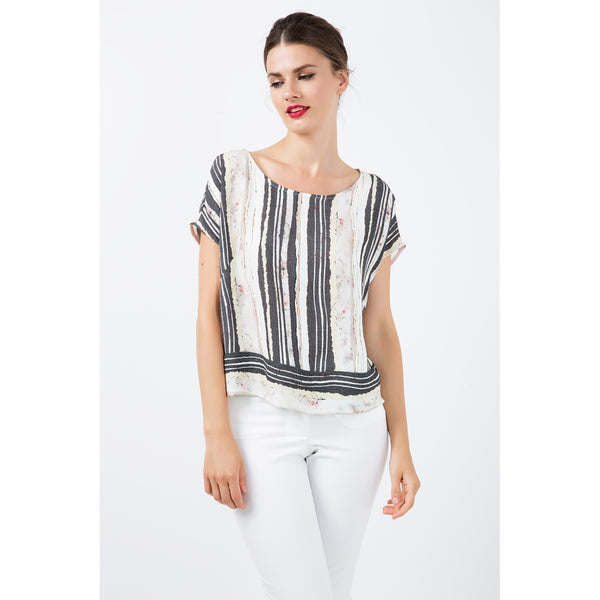 Blouses - Women's Trendy Black And White Boat Neck Sleeveless Top