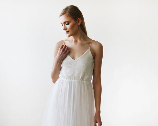Ivory Minimalist And Classic Wedding Gown