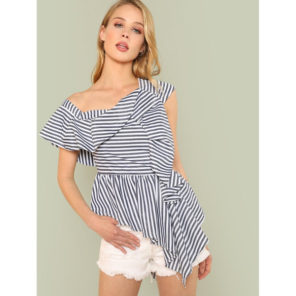 Tops - Women's Trendy Black And White Sleeveless Striped Print Top