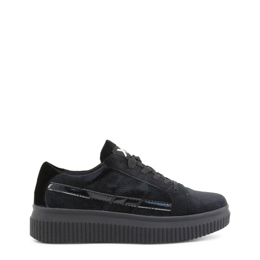 Xti Black Round Toe Sneakers