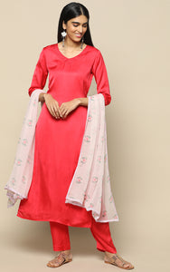 RED MODAL SILK KURTHA WITH PANTS AND PRINTED CHIFFON DUPATTA
