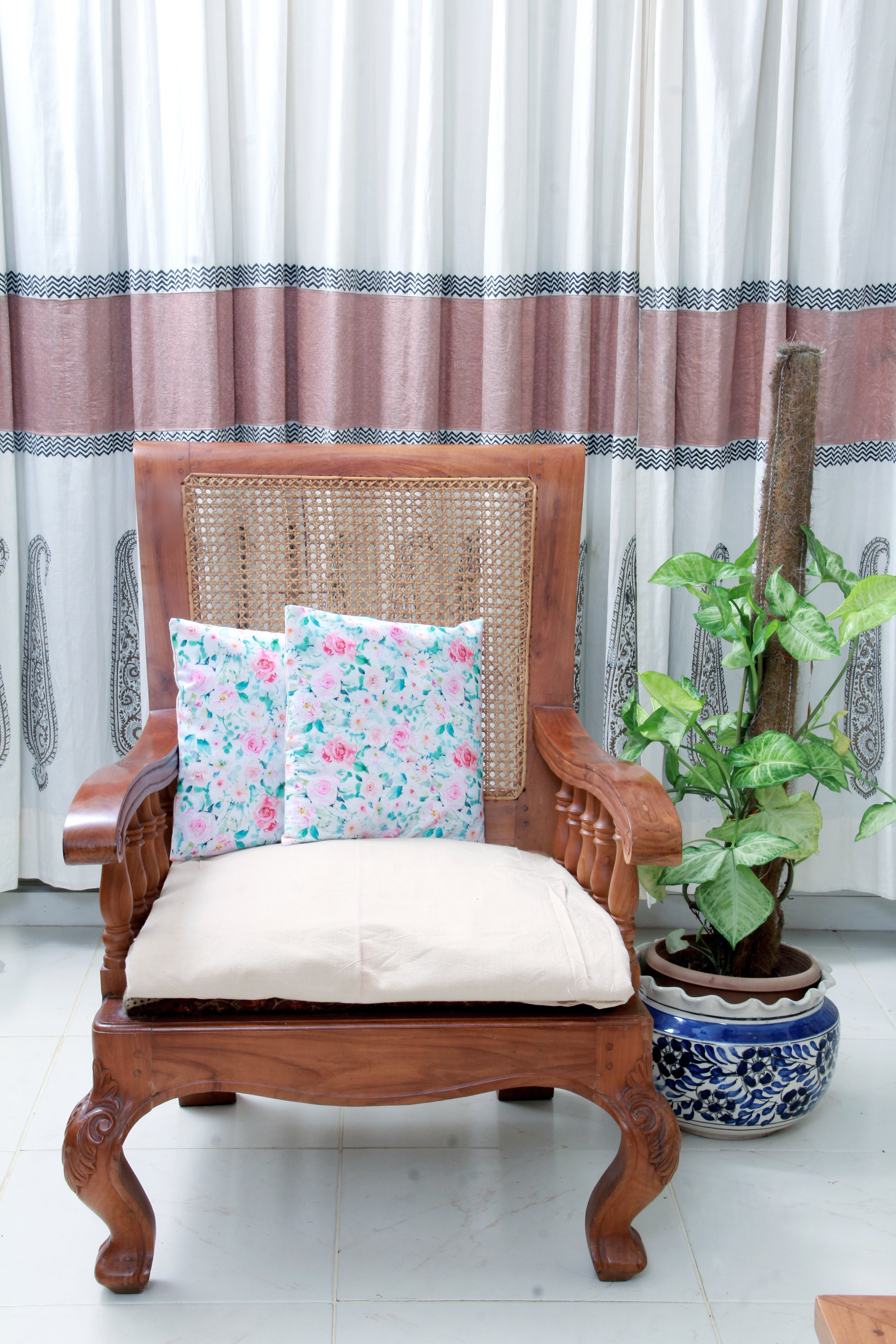 ALL OVER FLORAL PINK CUSHION COVER