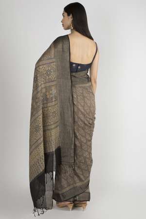 BEIGE HANDWOVEN KHADI SAREE WITH HANDBLOCK PRINT IN AJRAK
