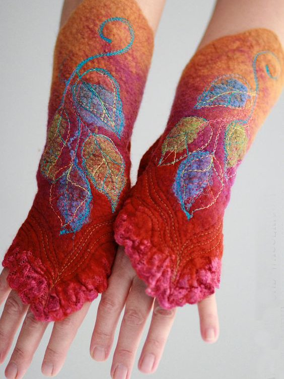 Red Vintage Cotton-Blend Gloves