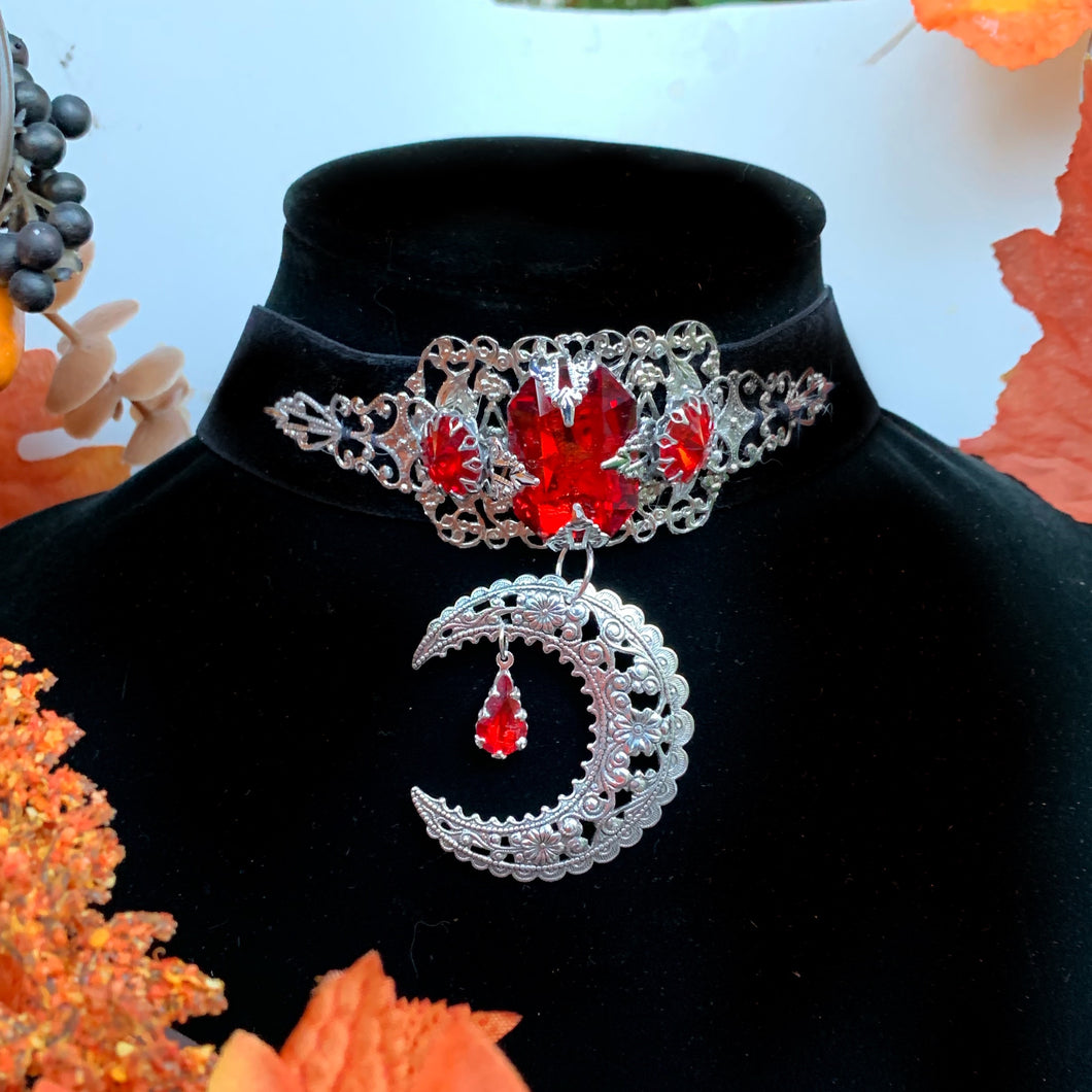 Blood moon ceremony choker