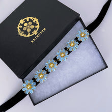Azul Amor Vintage Daisy Blossom Choker champagne pearls