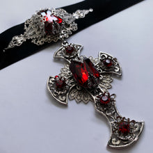 Sangre Nocturna Crimson large Cross Choker