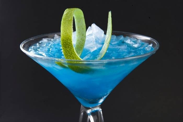 Here's 10 delicious Blue Curacao cocktails!