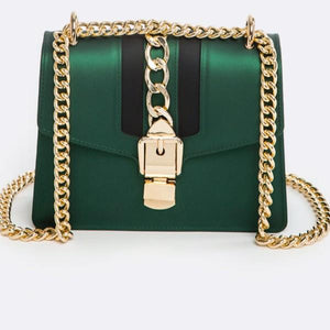 Chain Buckle Shoulder Bag Pretty Madness