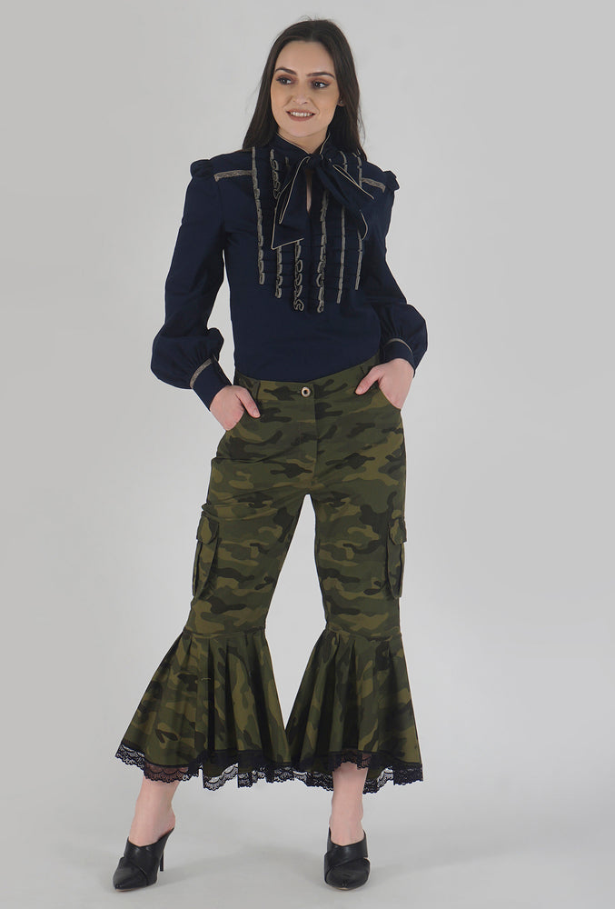 Green Camouflage Lace Detailed Flounce Cargo Pants style