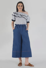 Load image into Gallery viewer, Lapis Blue Piping Detailed Wide Legged Castellations Culotte Pants crop