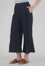 Load image into Gallery viewer, Navy Pleated Front Slit Culotte Pants side