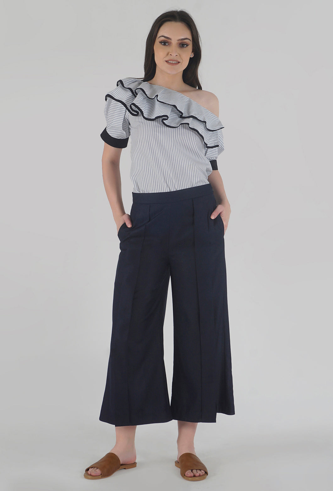 Navy Pleated Front Slit Culotte Pants style