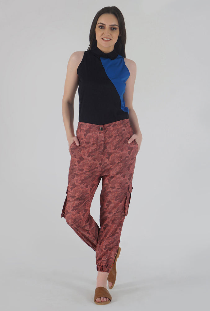 Salmon Camouflaged Stripe Jogger Pants style