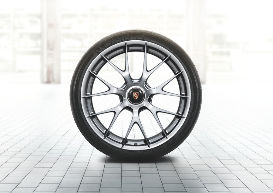 918 Spyder magnesium summer wheel-and-tire set (20/21-inch)