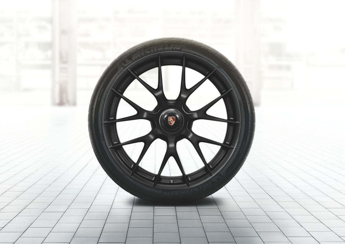 918 Spyder magnesium summer wheel-and-tire set, painted in Black (satin-gloss) (20/21-inch)