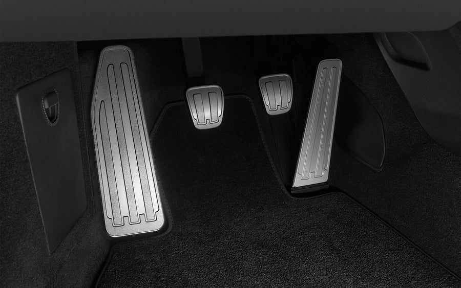 Pedals and footrest in aluminium