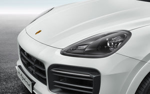 Dark-tinted LED headlights including Porsche Dynamic Light System (PDLS)
