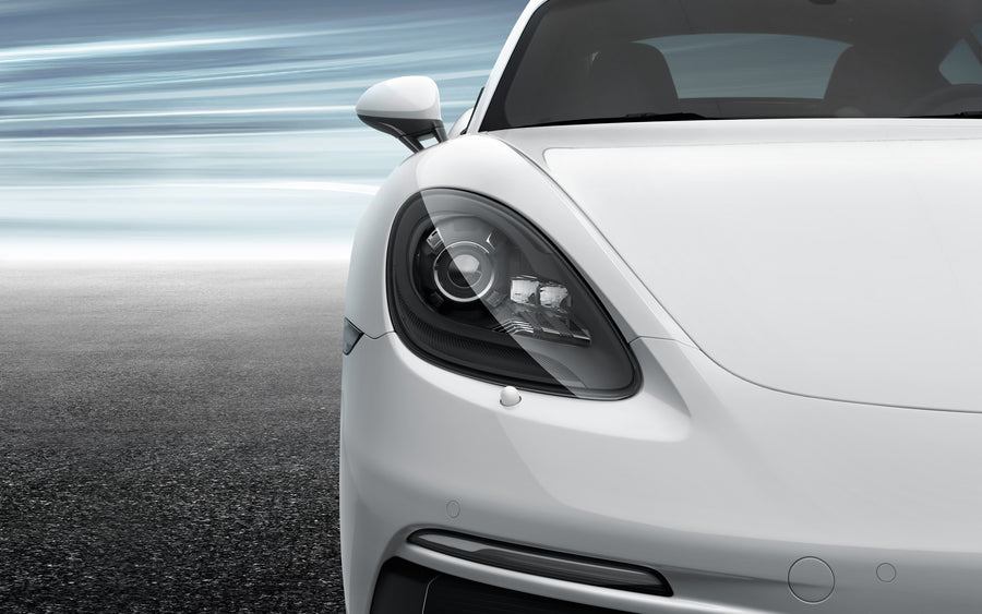 Bi-Xenon headlights in Black, incl. Porsche Dynamic Light System (PDLS)