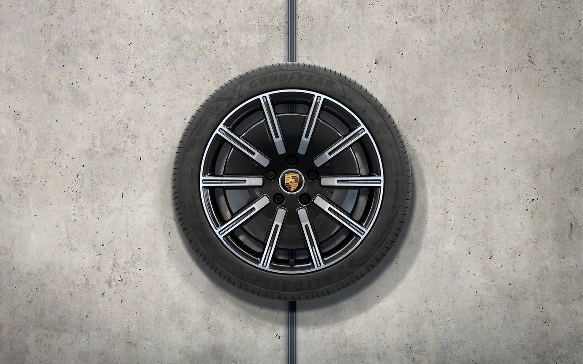 "20"" Sport Aero winter wheel-and-tire set"