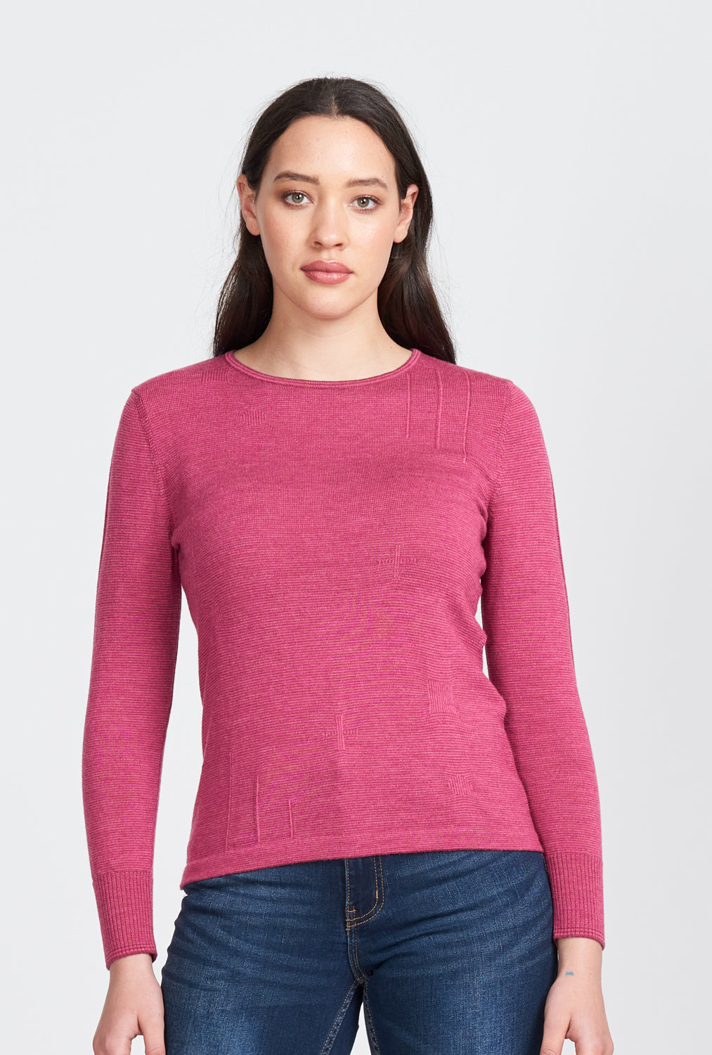 Ladies fine striped, long sleeved, crew neck jumper in 100% superfine merino wool. Fine detailing on shoulder and hip