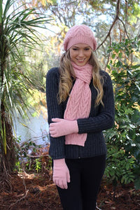 Women's Alpaca scarf, chunky cable knit. Ribbed ends. Alpaca fibre.