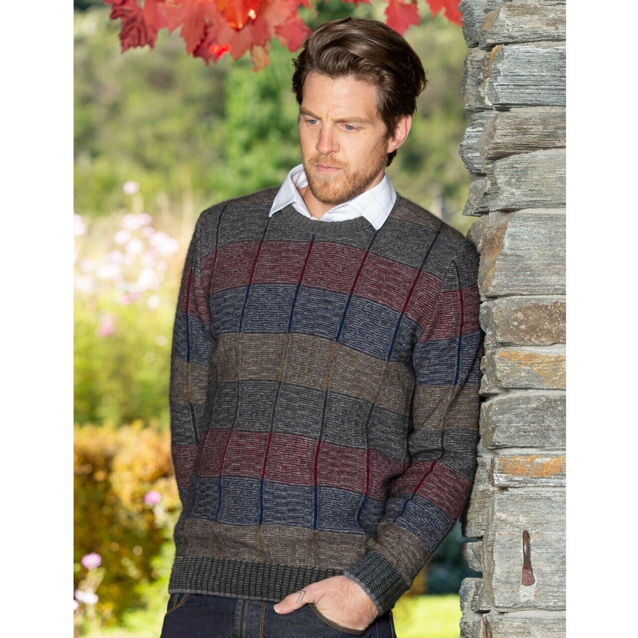 Mens Crew neck jumper. Long sleeves with ribbed cuffs and waist.