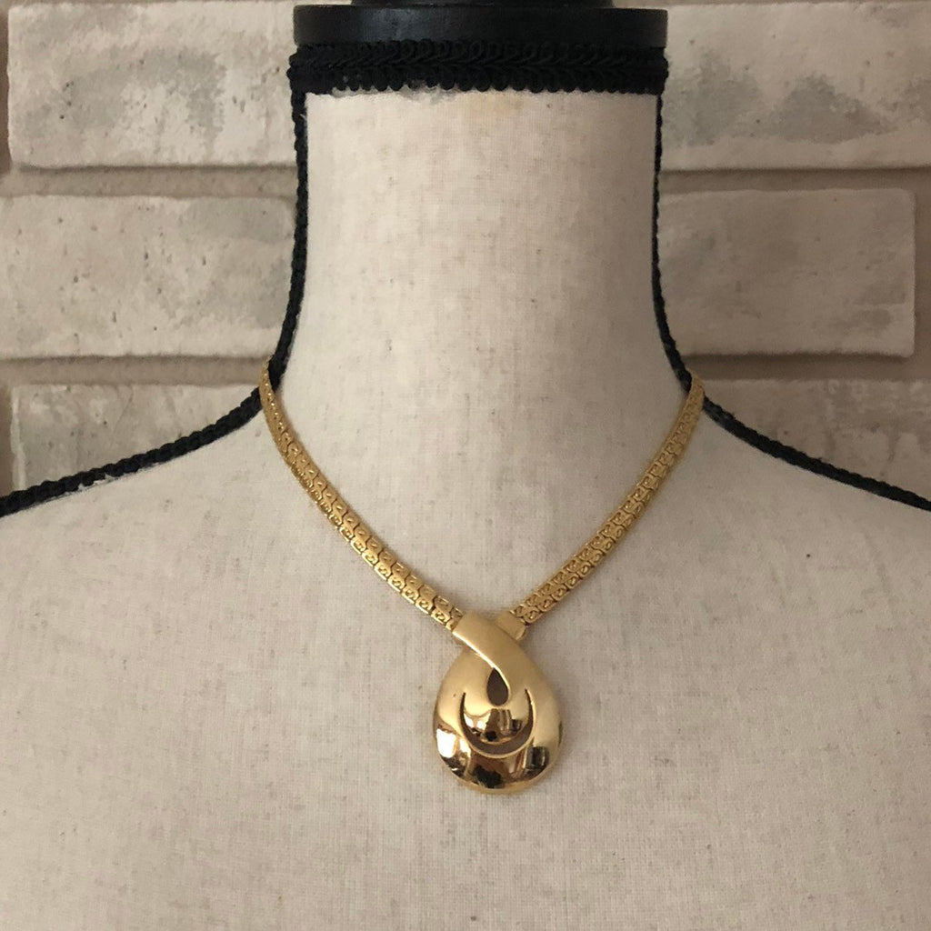 update alt-text with template Vintage Napier Gold Chain Teardrop Necklace-Necklaces & Pendants-24 Wishes-[trending designer jewelry]-[napier jewelry]-[Sustainable Fashion]