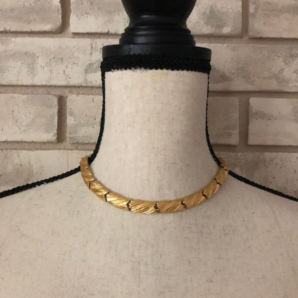 Classic Monet Gold Textured Link Necklace