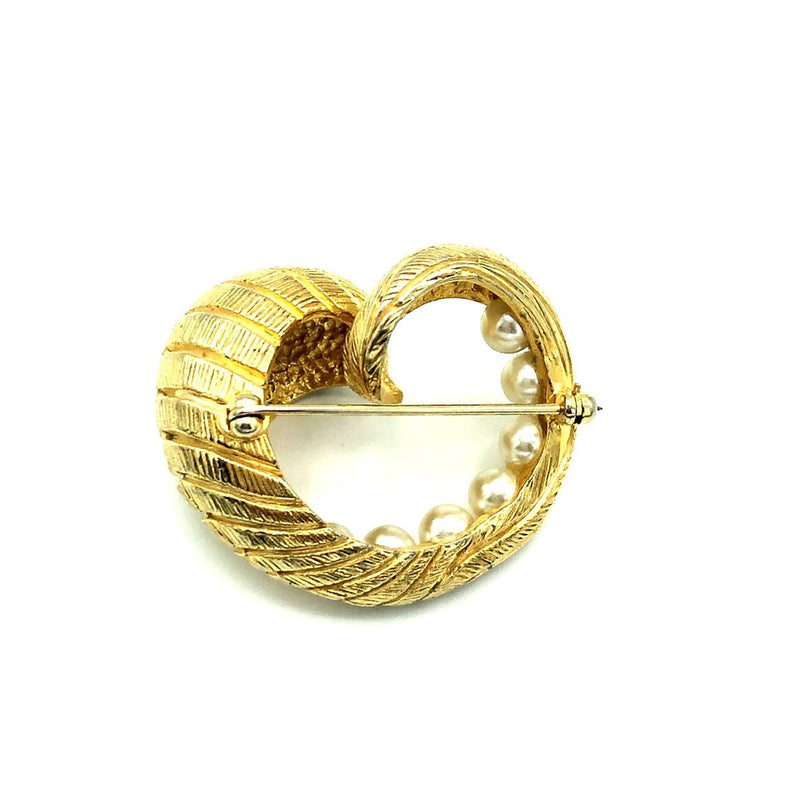Gold Swirl Vintage Castlecliff Classic Pearl Brooch