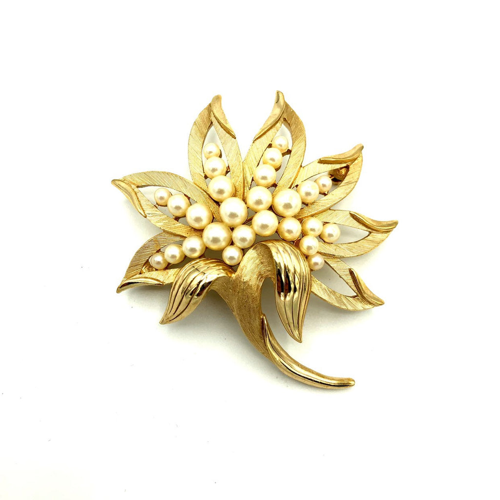 Classic Gold Vintage Trifari Pearl Floral Brooch Pin