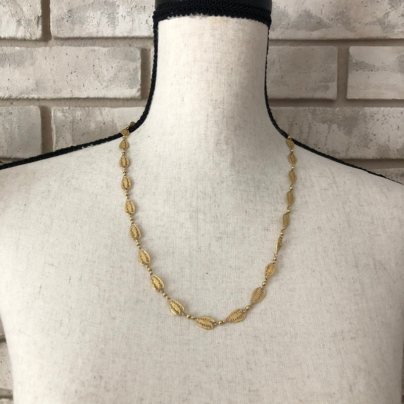 Dainty Vintage Gold Crown Trifari Filigree Chain Layering Necklace