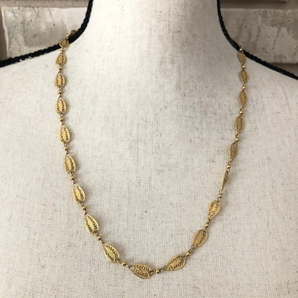 update alt-text with template Dainty Vintage Gold Crown Trifari Filigree Chain Layering Necklace-Necklaces & Pendants-Trifari-[trending designer jewelry]-[trifari jewelry]-[Sustainable Fashion]