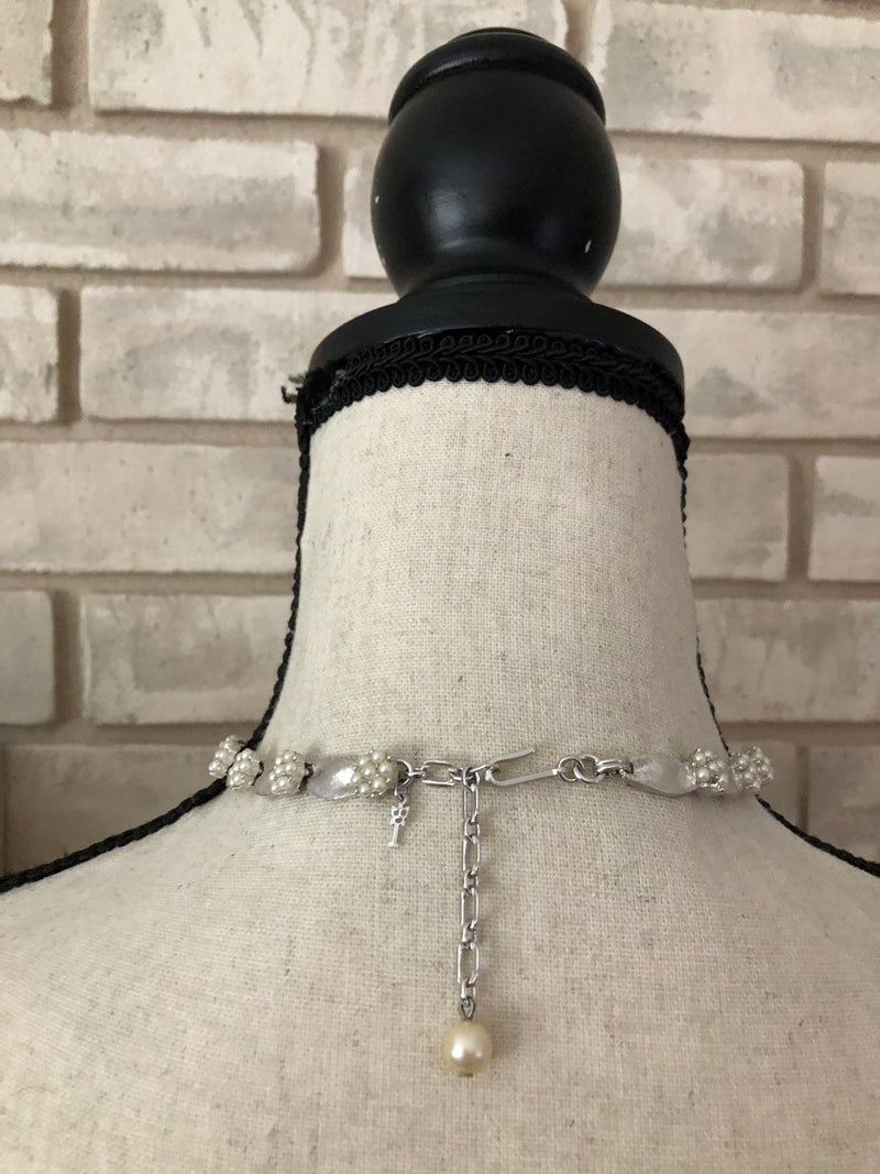 update alt-text with template Silver Trifari Ribbon & Pearl Layering Necklace-Necklaces & Pendants-Trifari-[trending designer jewelry]-[trifari jewelry]-[Sustainable Fashion]