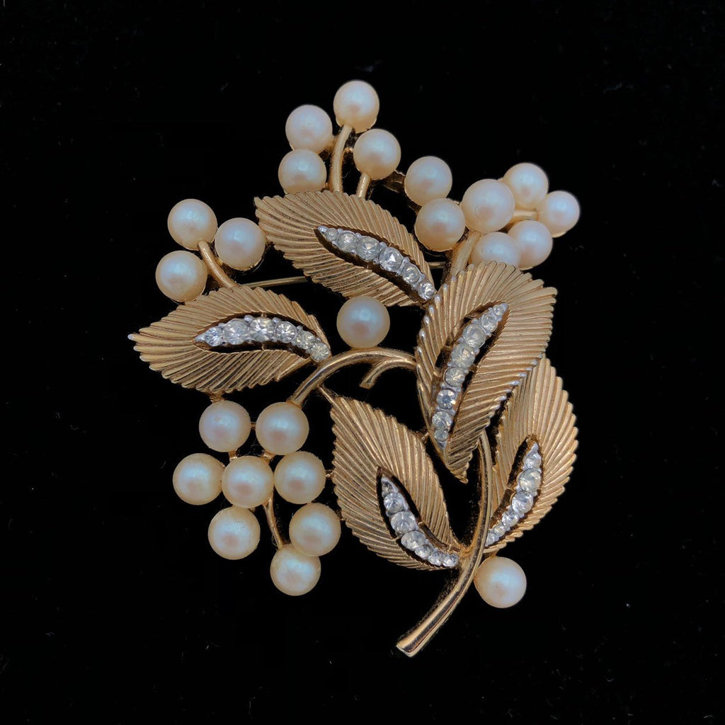 Vintage Gold Trifari Classic Floral Pearl Brooch