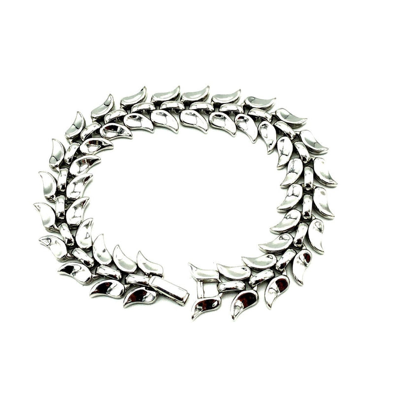 update alt-text with template Silver Trifari Leaf Link Vintage Bracelet-Bracelets-Trifari-[trending designer jewelry]-[trifari jewelry]-[Sustainable Fashion]