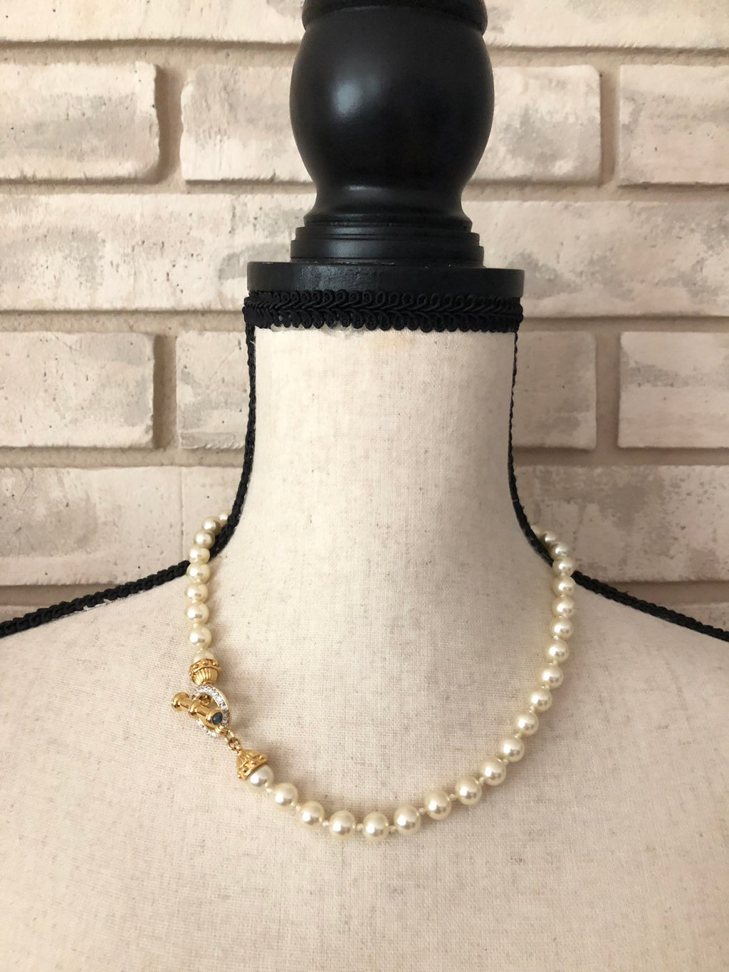 Nolan Miller White Classic Pearls Necklace Rhinestone Toggle Closure