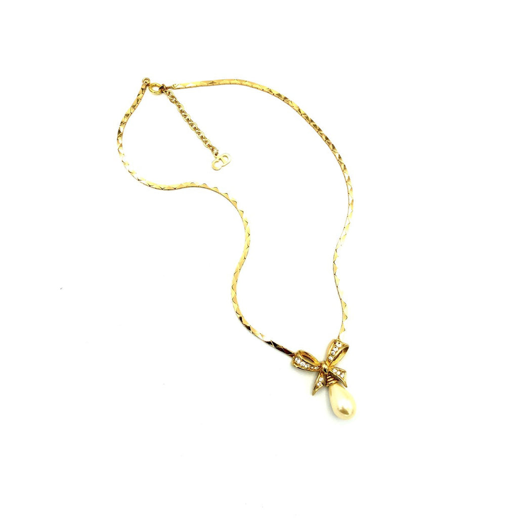 Classic Christian Dior Teardrop Pearl Gold Bow Pendant