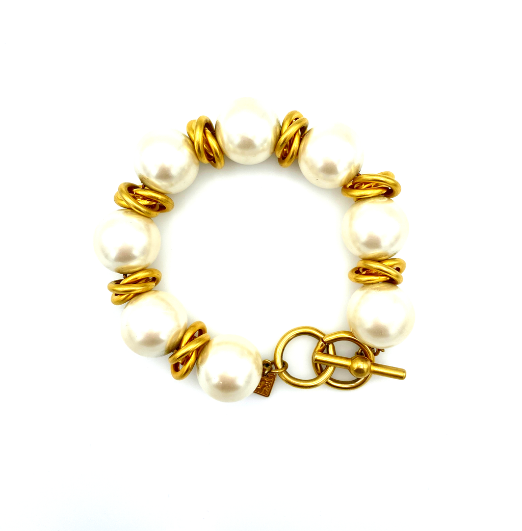 Anne Klein Large Pearl & Gold Knot Vintage Bracelet-Sustainable Fashion with Vintage Style-Trending Designer Fashion-24 Wishes