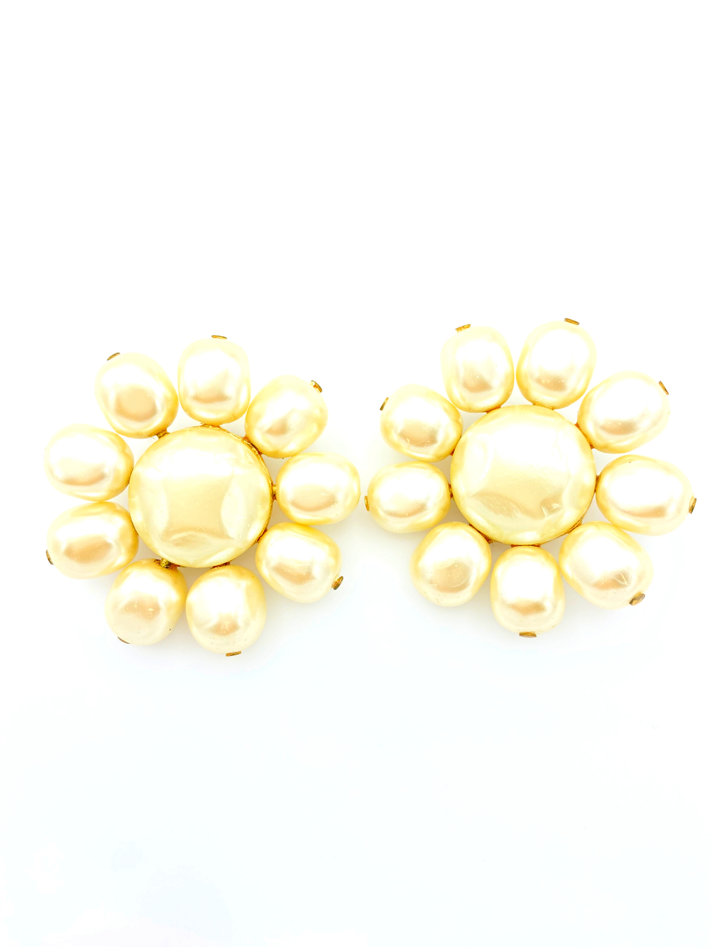 Guy Boyer Vintage White Pearl Flower Classic Earrings-Sustainable Fashion with Vintage Style-Trending Designer Fashion-24 Wishes