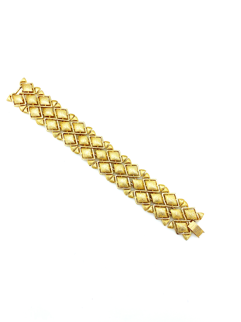 Coro Pegasus Vintage Wide Gold Link Bracelet-Sustainable Fashion with Vintage Style-Trending Designer Fashion-24 Wishes