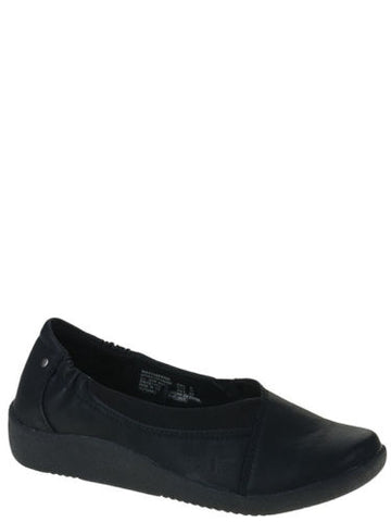 EARTH SPIRIT Women's Maci Shoe