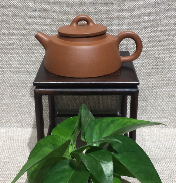 "purple clay teapot by master 曹兰芳 清水泥""鱼罩"""