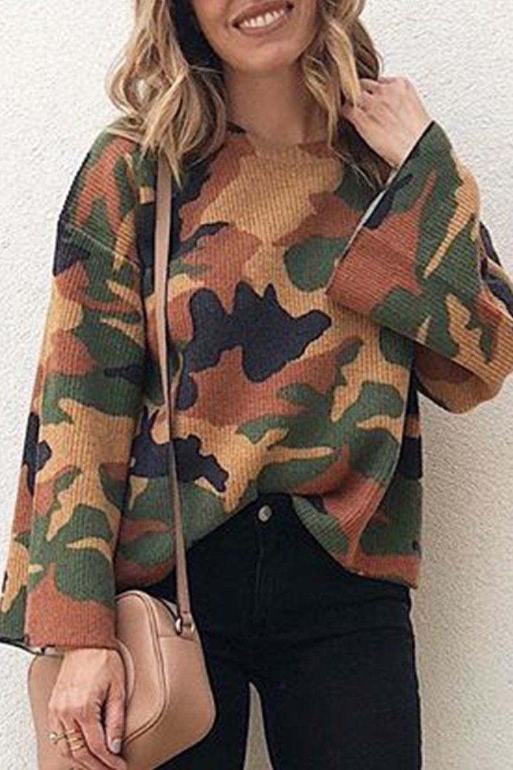b41eeef7a125 Camouflage Print Flare Sleeve Blouse