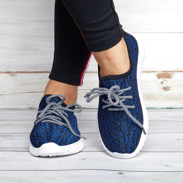 Large Size Lace-up Breathable Fly-Woven Fabric Sneakers